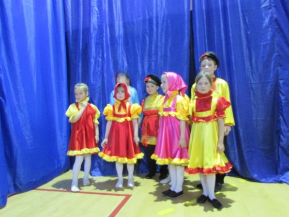 Выступление детской группы в Атепцево